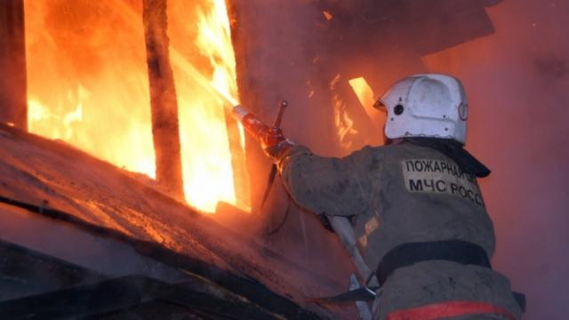 В Гатчинском районе случился пожар
